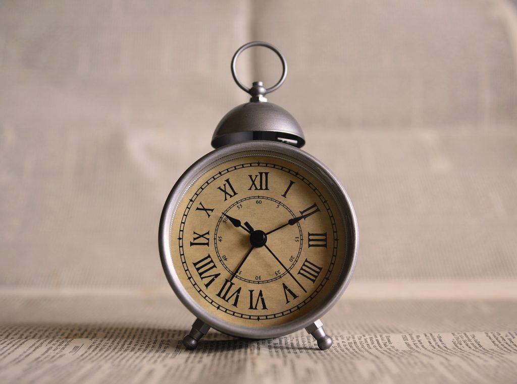 clock-691143_1280